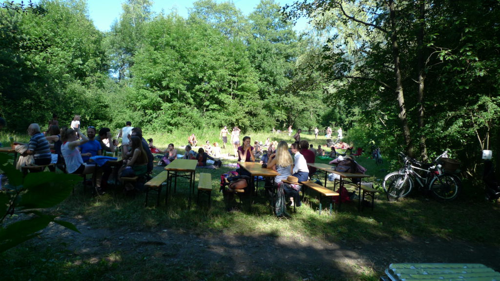 Participants gathered for a welcoming barbecue at the Alter Rhein on Monday.