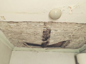 A bathroom ceiling in the former Rosenthal villa shows signs of wear.