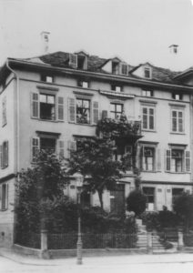 The early Burgauer mansion on Leonhardstreet 8 in St. Gallen.